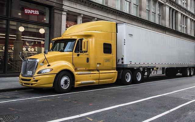 4 Benefits To Being a Professional Truck Driver