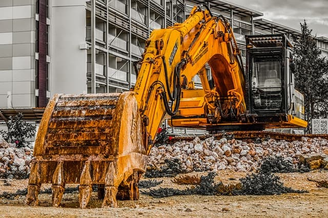 Tips for Moving Heavy Equipment